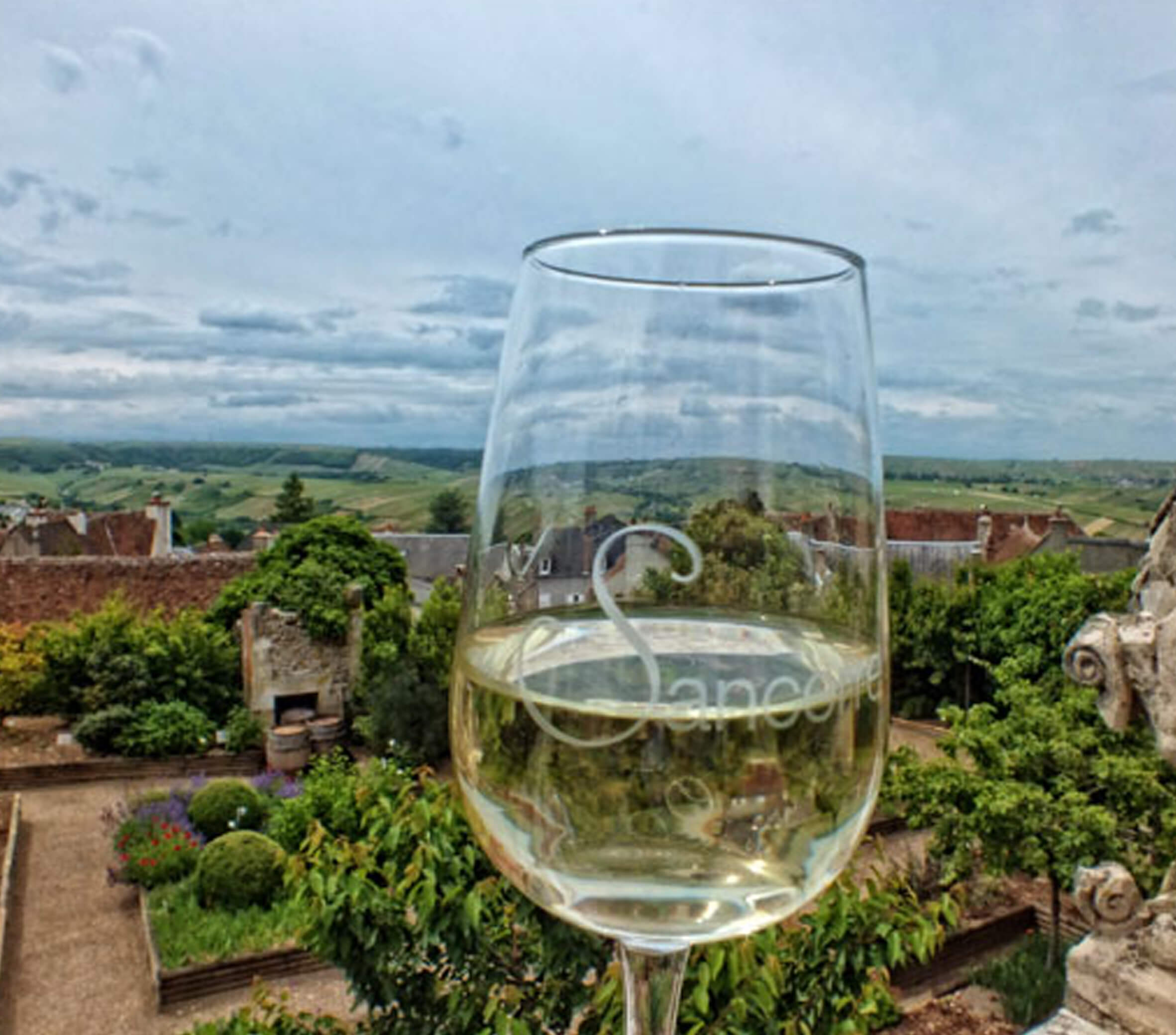 White Sancerre wines from Loire valley, France